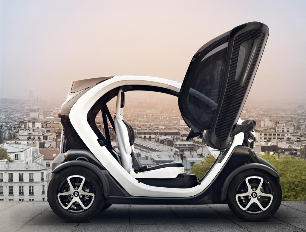 photo la renault twizy une voiture lectrique qui rime. Black Bedroom Furniture Sets. Home Design Ideas