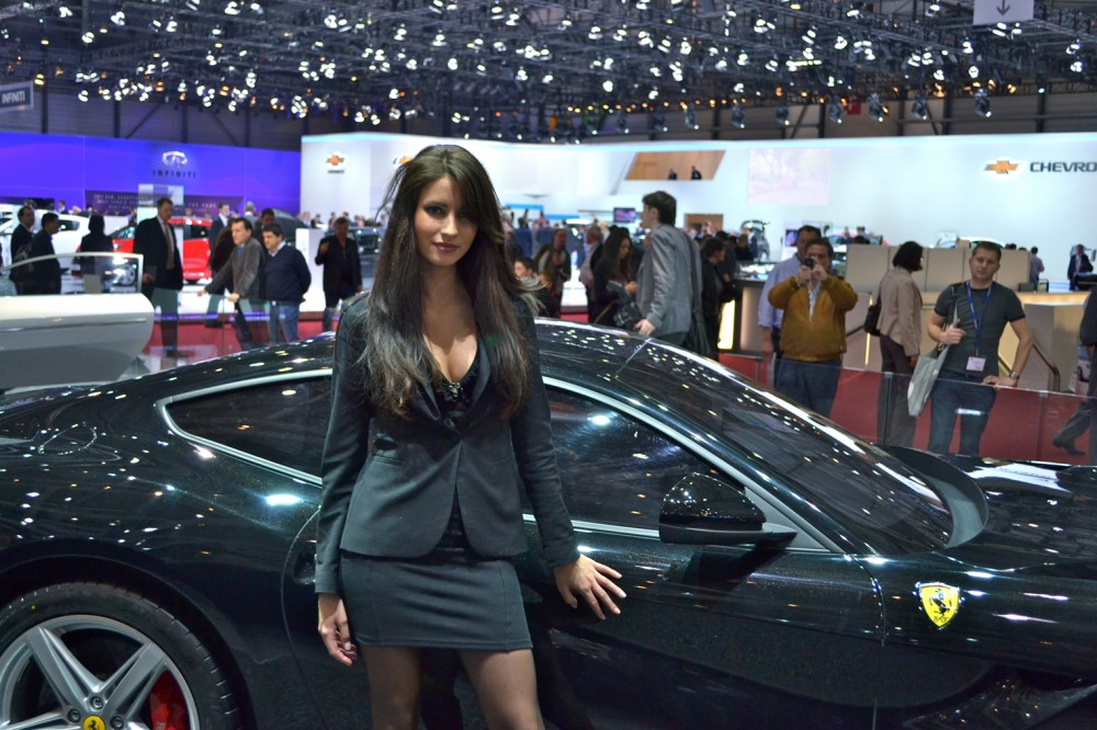 Photo qui est la plus jolie la ferrari ou cette for Salon de prostitution geneve