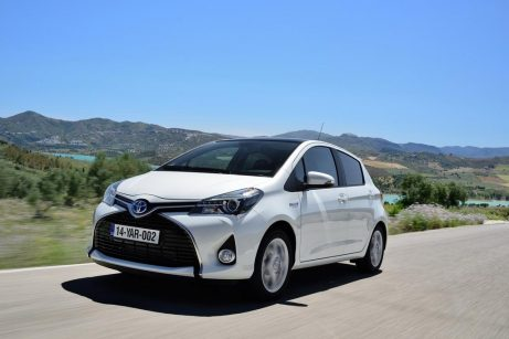 test toyota yaris essence