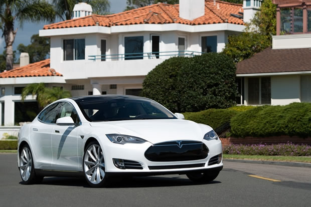 tesla model s des tarifs tonnamment bas pour le. Black Bedroom Furniture Sets. Home Design Ideas