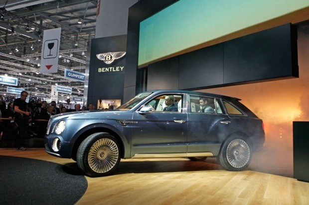 detroit 2013 bentley annonce un hybride rechargeable pour 2016. Black Bedroom Furniture Sets. Home Design Ideas