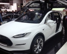 tesla model x un prix plus lev que la model s. Black Bedroom Furniture Sets. Home Design Ideas