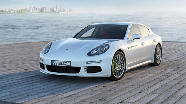 porsche propose d sormais une panamera hybride rechargeable. Black Bedroom Furniture Sets. Home Design Ideas
