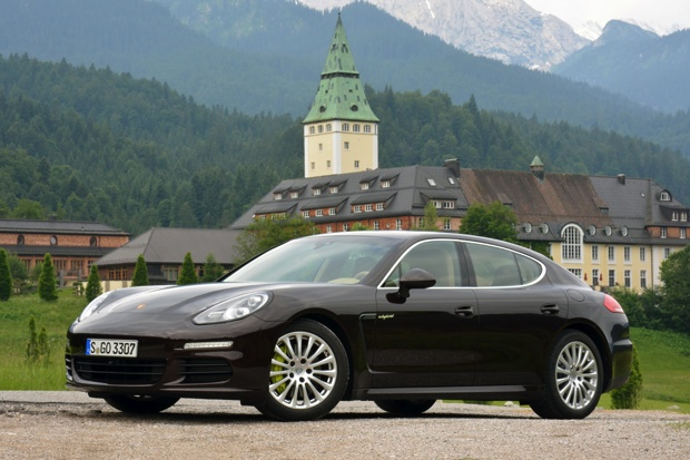 porsche panamera hybrides rechargeables objectif 10 000 ventes. Black Bedroom Furniture Sets. Home Design Ideas