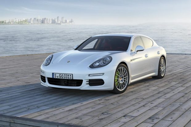 porsche panamera e hybrid rechargeable automobile propre. Black Bedroom Furniture Sets. Home Design Ideas
