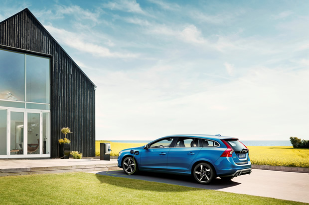 Le nouveau Volvo V60 Plug-In Hybrid passe en version R-Design