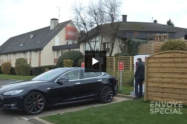 tesla r agit officiellement au reportage d envoy sp cial sur la voiture lectrique. Black Bedroom Furniture Sets. Home Design Ideas