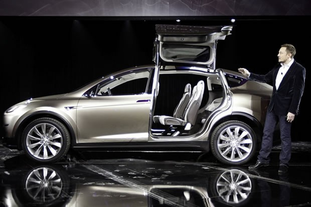 tesla-model-x-falcon-doors