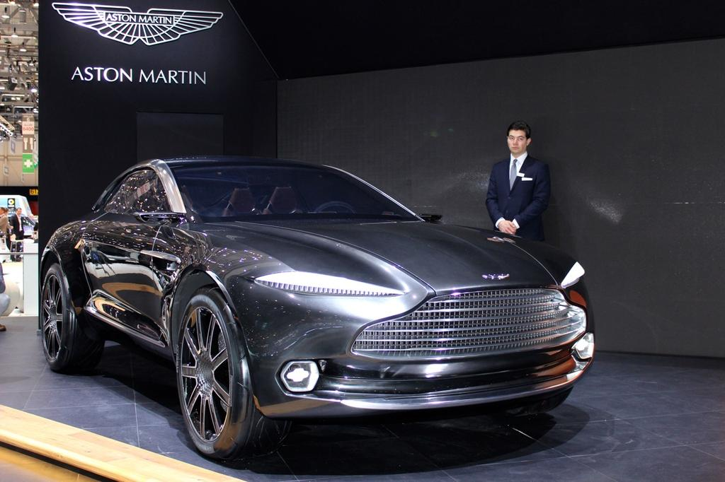 dbx concept aston martin cr e la surprise avec une voiture lectrique. Black Bedroom Furniture Sets. Home Design Ideas