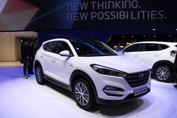 hyundai tucson deux versions hybrides r v l es au salon. Black Bedroom Furniture Sets. Home Design Ideas