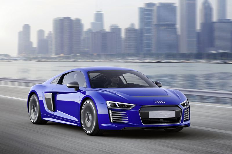 R8 e-tron piloted driving – La supercar électrique autonome selon Audi
