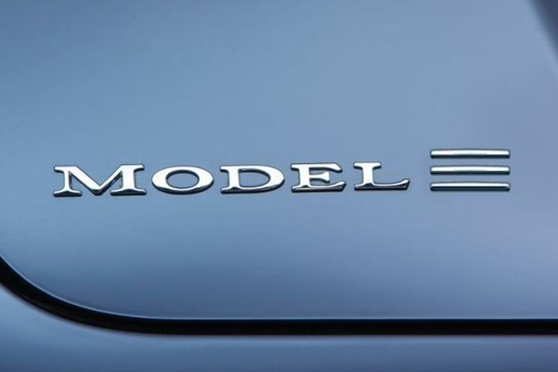 La Tesla Model 3 aura droit à une version crossover