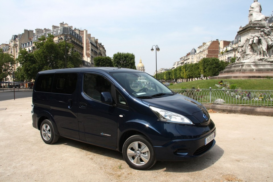 photo nissan e nv200 7 places 0002. Black Bedroom Furniture Sets. Home Design Ideas
