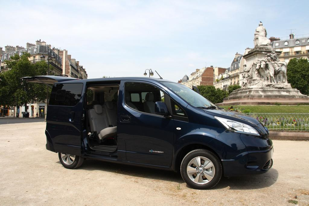 nissan e nv200 evalia le ludospace lectrique 7 places l 39 essai. Black Bedroom Furniture Sets. Home Design Ideas