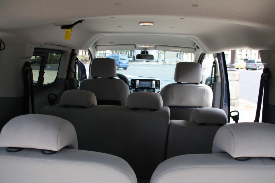 photo nissan e nv200 7 places 0004. Black Bedroom Furniture Sets. Home Design Ideas