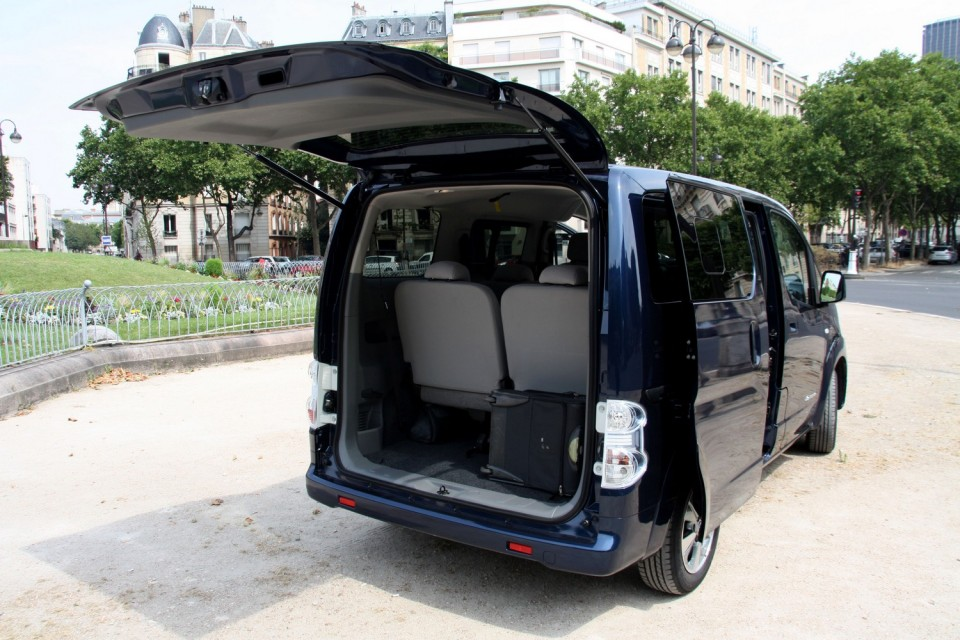 photo nissan e nv200 7 places 0005. Black Bedroom Furniture Sets. Home Design Ideas