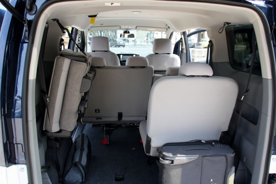 photo nissan e nv200 7 places 0008. Black Bedroom Furniture Sets. Home Design Ideas