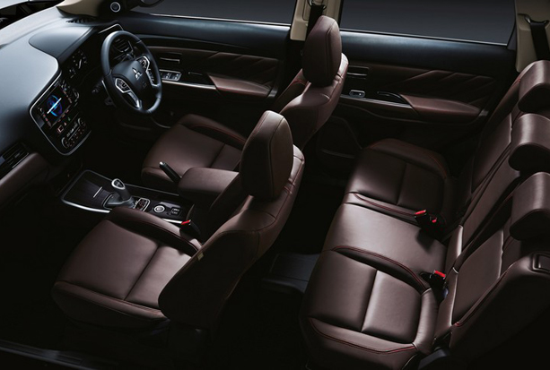 nouvel-outlander-phev-interieur