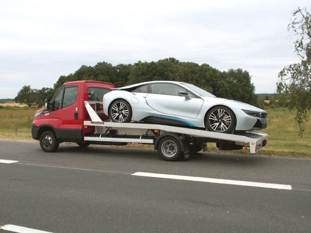 transport-bmw-i8