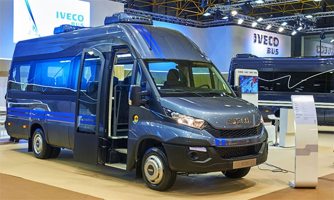 nouvel iveco daily electric utilitaire ou minibus lectrique. Black Bedroom Furniture Sets. Home Design Ideas