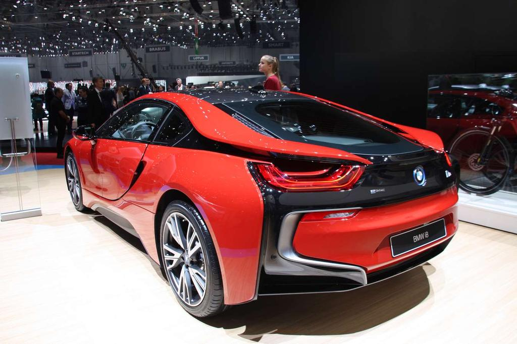 photo bmw i8 protonic red edition 2016 0002. Black Bedroom Furniture Sets. Home Design Ideas