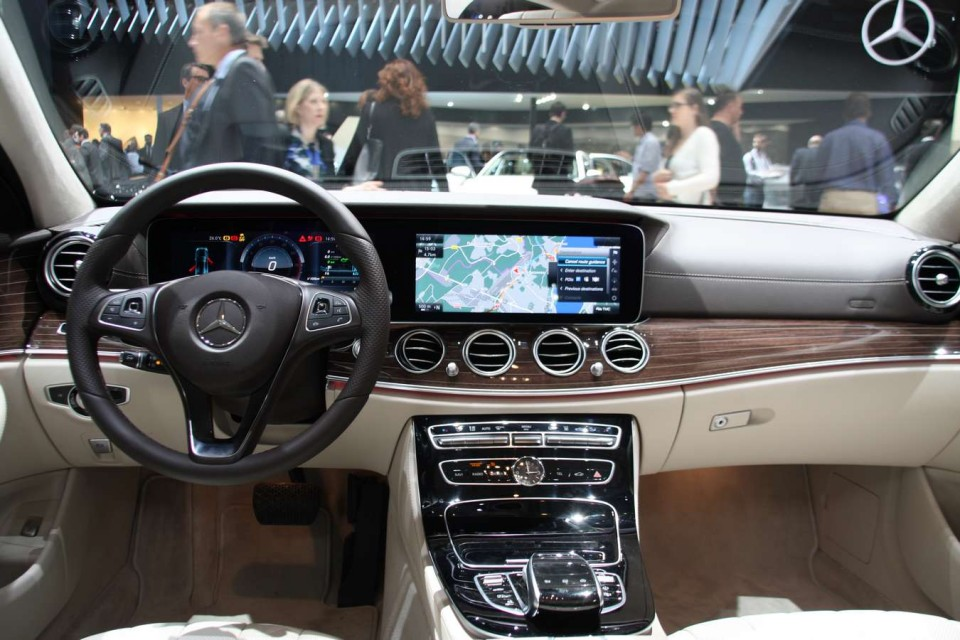 photo l 39 int rieur de la mercedes classe e hybride