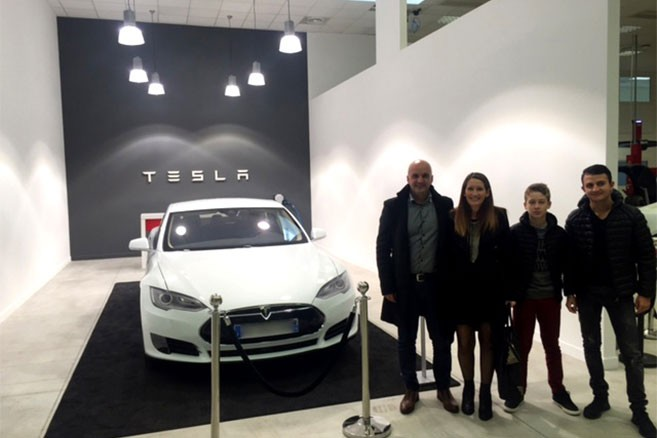 En visite au Showroom Tesla