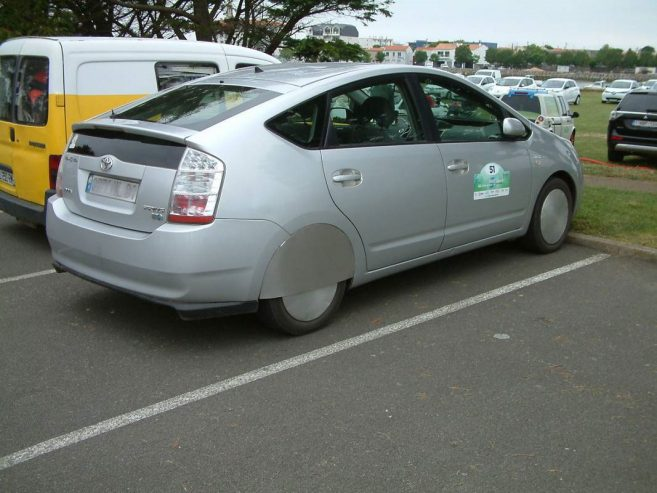prius-2-hybride-rechargeable-0001