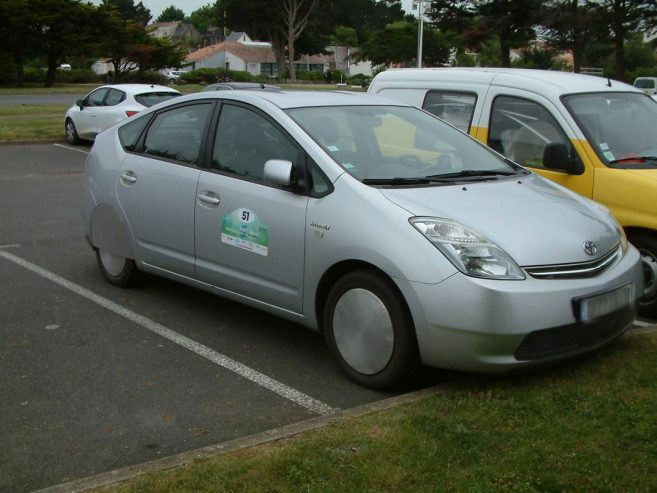 prius-2-hybride-rechargeable-0002