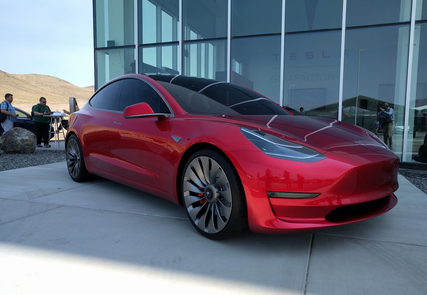 Tesla a terminé la conception de la Model 3 et est en avance sur son planning