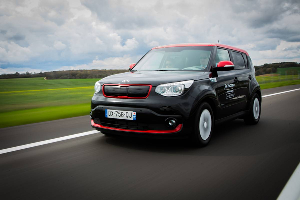 voiture lectrique le kia soul ev vu par kia. Black Bedroom Furniture Sets. Home Design Ideas