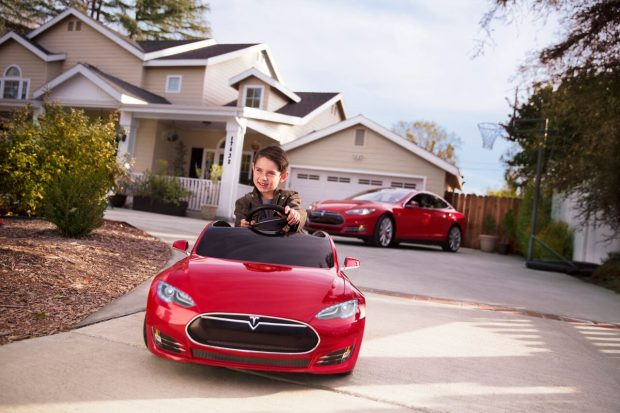 La Tesla Model S pour enfants de Radio Flyer arrive en France