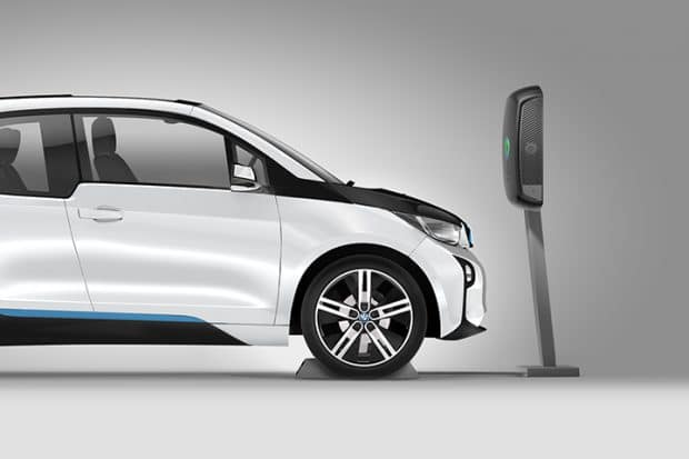 Plugless : Un chargeur à induction adaptable à la BMW i3