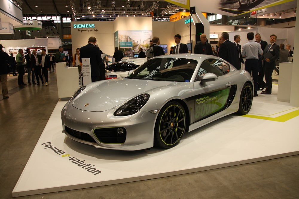 porsche r v le son turbo charging sur une cayman lectrique. Black Bedroom Furniture Sets. Home Design Ideas