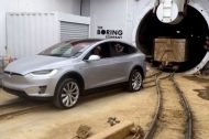 Une Tesla Model X tracte un train de 113 tonnes