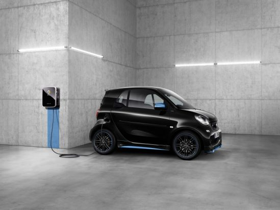 Plug & Charge : Daimler et Hubject lancent la recharge automatique