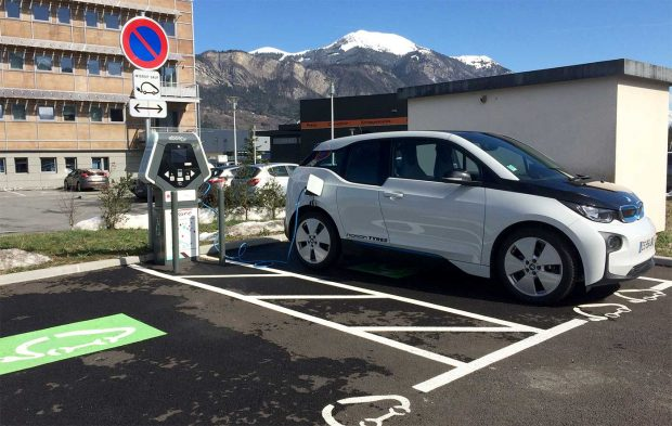 Plus de 23.000 points de charge publics en France