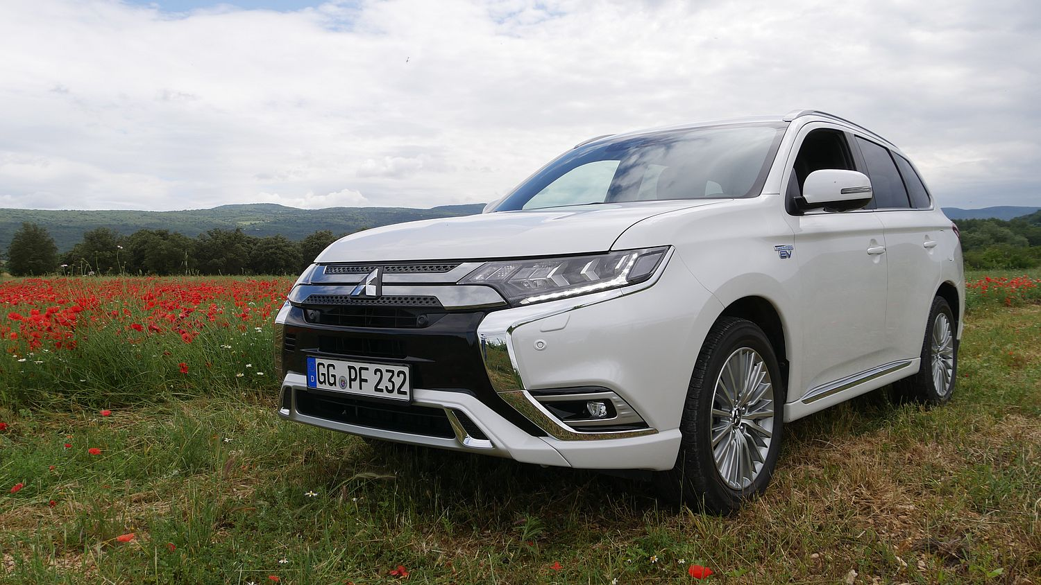 essai mitsubishi outlander phev 2019 un suv hybride rechargeable surprenant. Black Bedroom Furniture Sets. Home Design Ideas