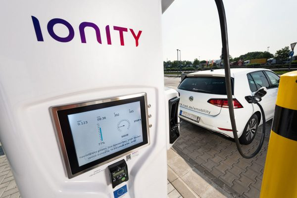 Charge ultra-rapide : Ionity compte ouvrir 80 stations en France