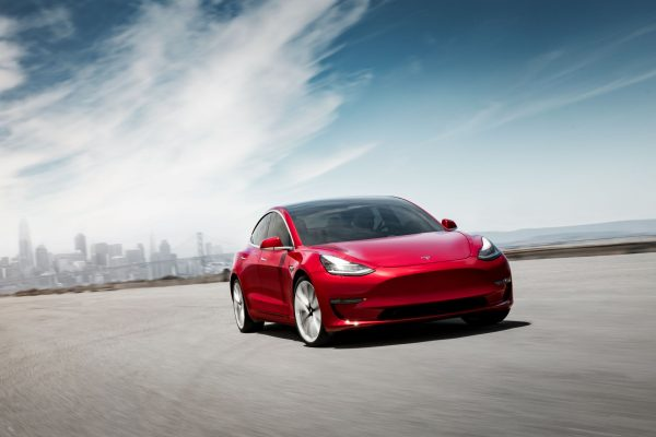 Tesla Model 3 : la version à 35.000 dollars prévue pour 2019
