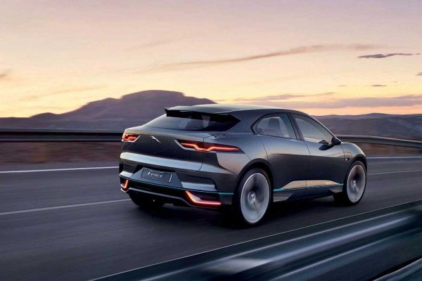 En rupture de batteries, Jaguar suspend la production de l'i-Pace