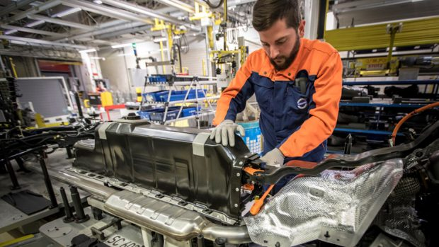 Volvo s'assure 10 ans d'approvisionnement en batteries lithium-ion