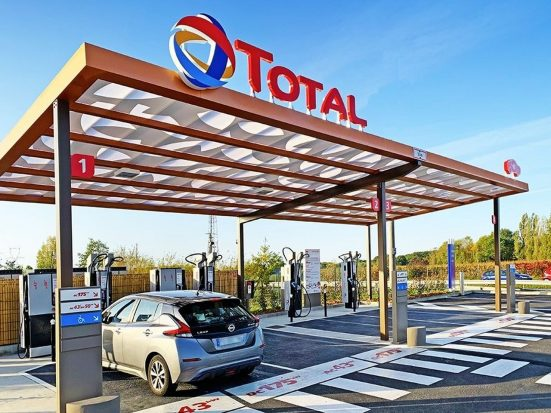 Charge ultrarapide : Total va équiper 300 stations en France d'ici fin 2022